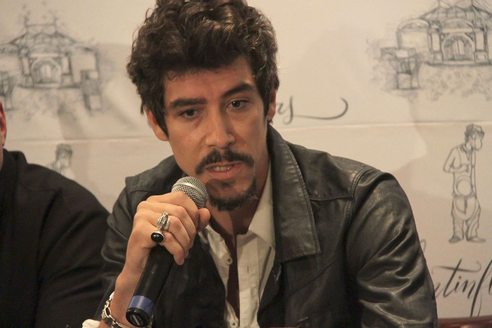 "Oscar Jaenada. """