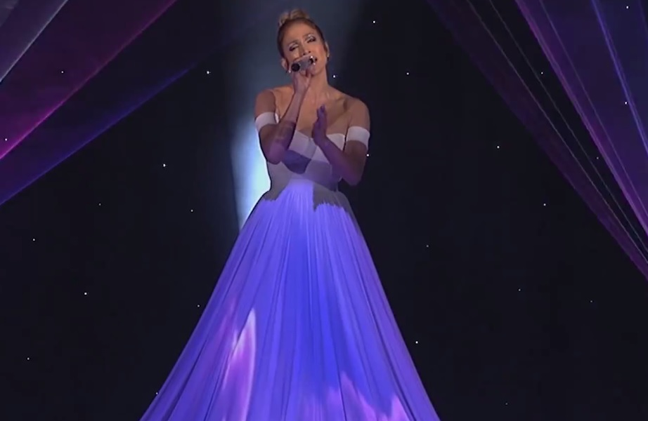 """At the end of the day …. JLo: """"Feel The Light""""!! 