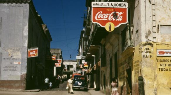 Street_in_San_Juan_Puerto_Rico_LOC_2179157820