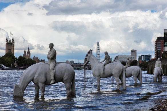 the-rising-tide-jason-decaires-taylor-london-designboom-02