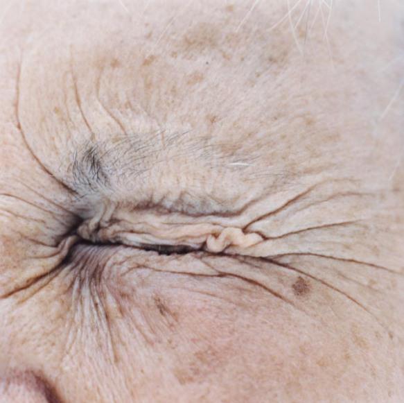 wrinkle-face-close-up-portrait
