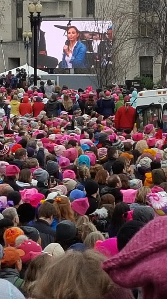 march-crowd-ashley-judd20170121_114210